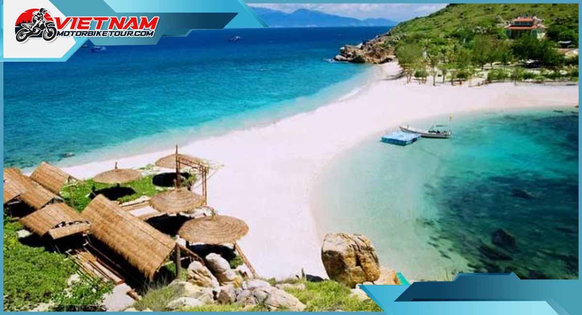 Exporing Nha Trang beaches.jpg